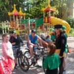В  Международный день защиты детей молодежные активисты в г.Сланцы выступили в поддержку детской дорожной безопасности