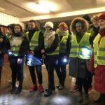 Световозвращающий флешмоб в поддержку безопасности пешеходов прошел Сланцевской школе №6