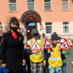В Сланцах госавтоинспекторы провели профилактическую акцию «Юный пешеход»